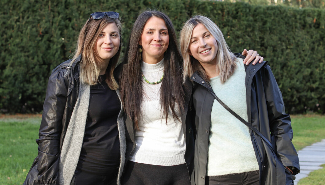 TRILLING SOM VENTER TRILLINGER: Judit (t.v), Szilvia og Sofia gleder seg til trillingene kommer til verden, selv om de også er bekymret for om alt kommer til å gå bra. FOTO: Ida Bergersen