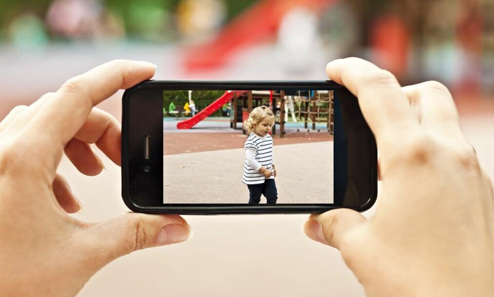 <strong>BRUK AV APP I BARNEHAGER OG SKOLER:</strong> Det blir alt vanligere at skoler og barnehager benytter seg av apper i sin kommunikasjon med foreldrene. FOTO: NTB Scanpix