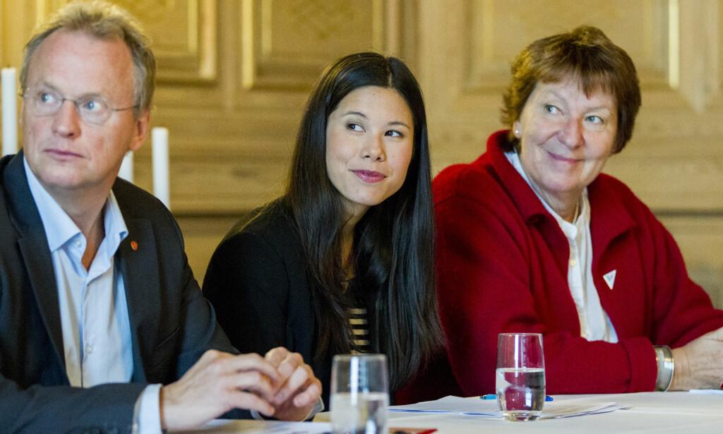 VENTER PÅ AVKLARING: Om byrådet sier klart ifra om at de ikke vil la dette kuttet stå i budsjettforhandlingene, har vi den avklaringen vi trenger, skriver innleggsforfatter. På bildet: byrådsleder Raymond Johansen (Ap), byråd for miljø- og samferdsel, Lan Marie Nguyen Berg (MDG), og Oslos ordførerer Marianne Borgen (SV).