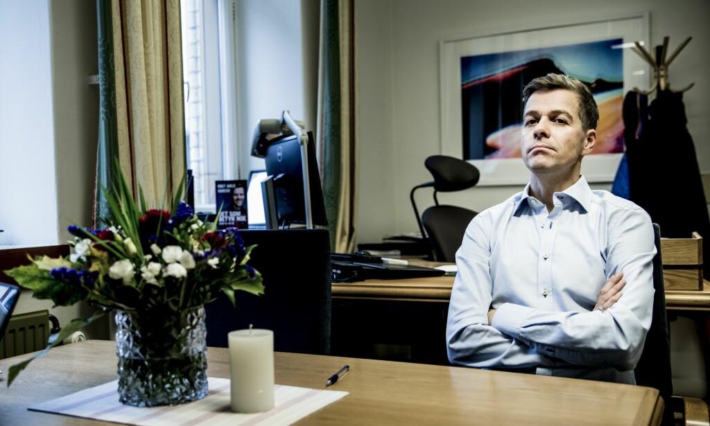 LØFTEBRUDD: Anklagene hagler om løftebrudd på sosiale medier, men KrF-leder Knut Arild Hareide fastholder at han ikke utstedte noen borgerlig garanti i valgkampen i fjor. Foto: Christian Roth Christensen /Dagbladet.