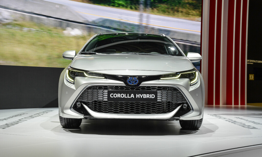MARITIMT? Lavere, mer aggressiv front med ganske vågal tolkning av Toyotas designtemaer Keen Look og Under Priority Catamaran. Forstå det den som kan! Foto: Jamieson Pothecary