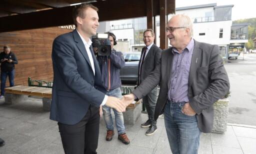 FAR OG SØNN: Kjell Ingolf Ropstad og faren Bjørn Alfred, ordfører i Evje og Hornes. Foto: John Terje Pedersen / Dagbladet
