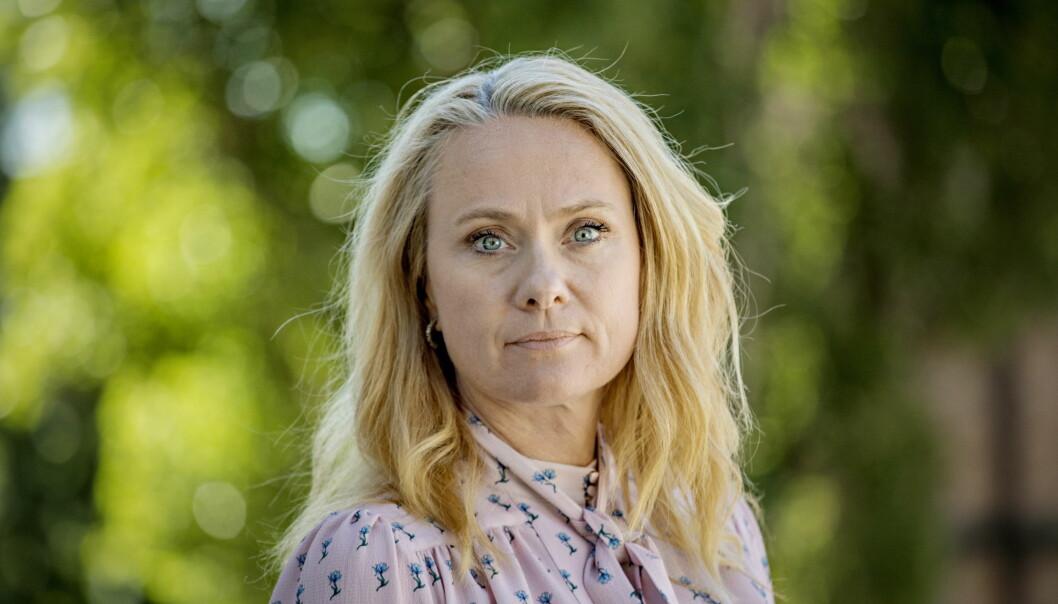 <strong>OPPRØRT:</strong> Arbeids- og sosialminister Anniken Hauglie tror at de gebyrene på godt over 100.000 kroner vil få de useriøse til å tenke om to ganger før de tar snarveier med lovverket. Foto: Jørn H Moen