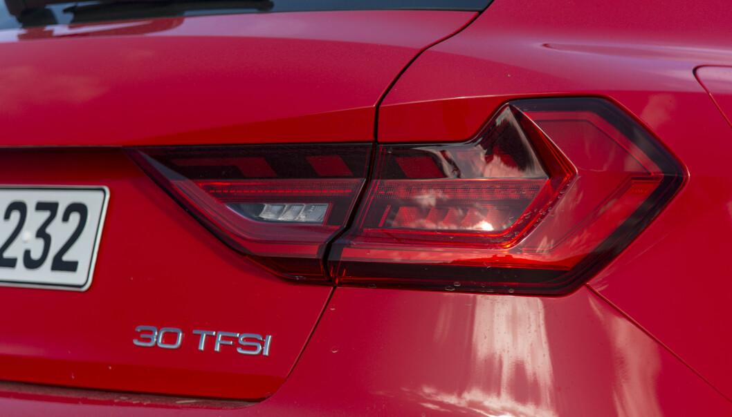<strong>NYE NUMMER:</strong> Audis biler får nye modellbetegnelser. Vår A1 med 116 hesters bensinmotor heter nå 30 TFSI. Foto: Jamieson Pothecary