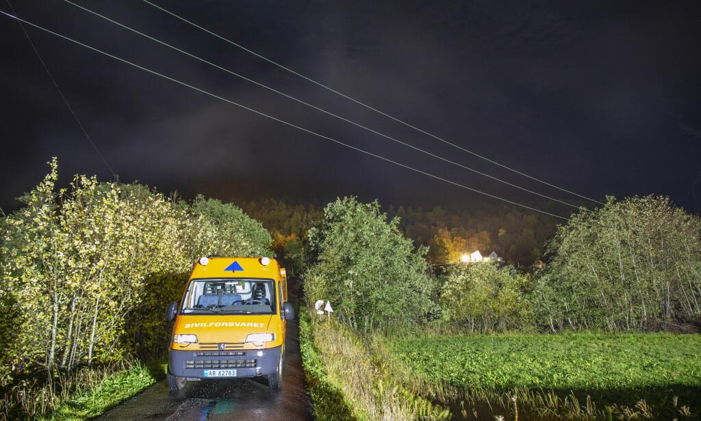 FORTSATT RØDT: Tirsdag ettermiddag ble farenivået ved det rasfarlige fjellpartiet Veslemannen igjen hevet til rødt og beboerne måtte evakueres. Foto: Svein Ove Ekornesvåg / NTB scanpix