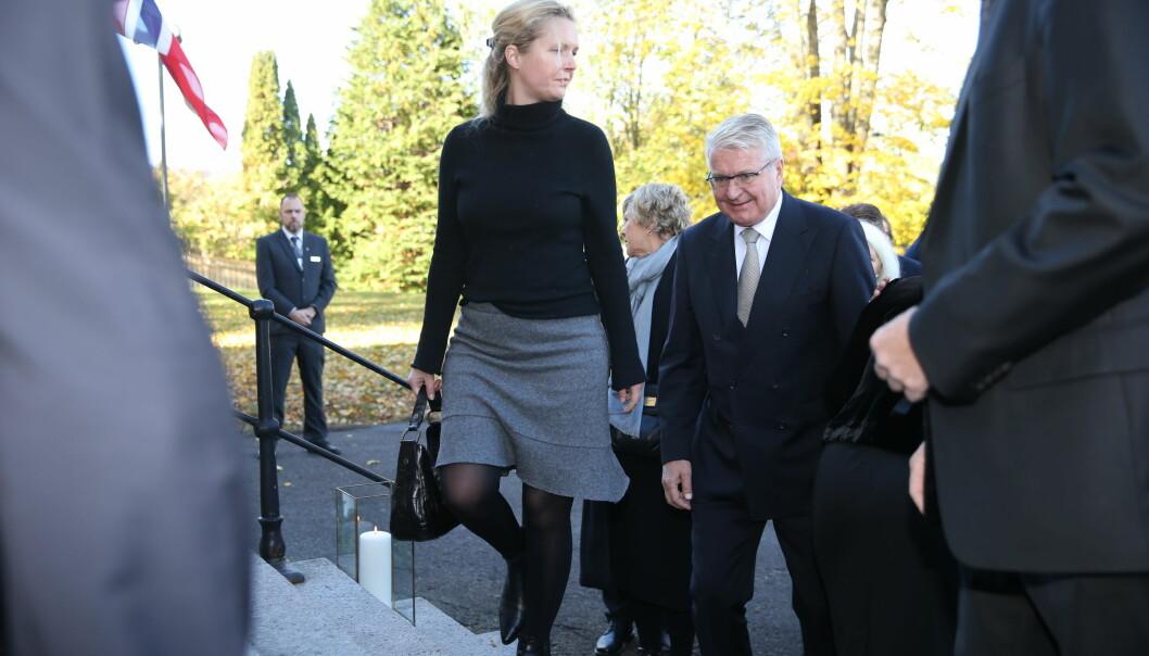 KOM MED KONA: Fabian Stang hadde selskap av sin kone, Catharina Munthe. Foto: Andreas Fadum/ Se og Hør