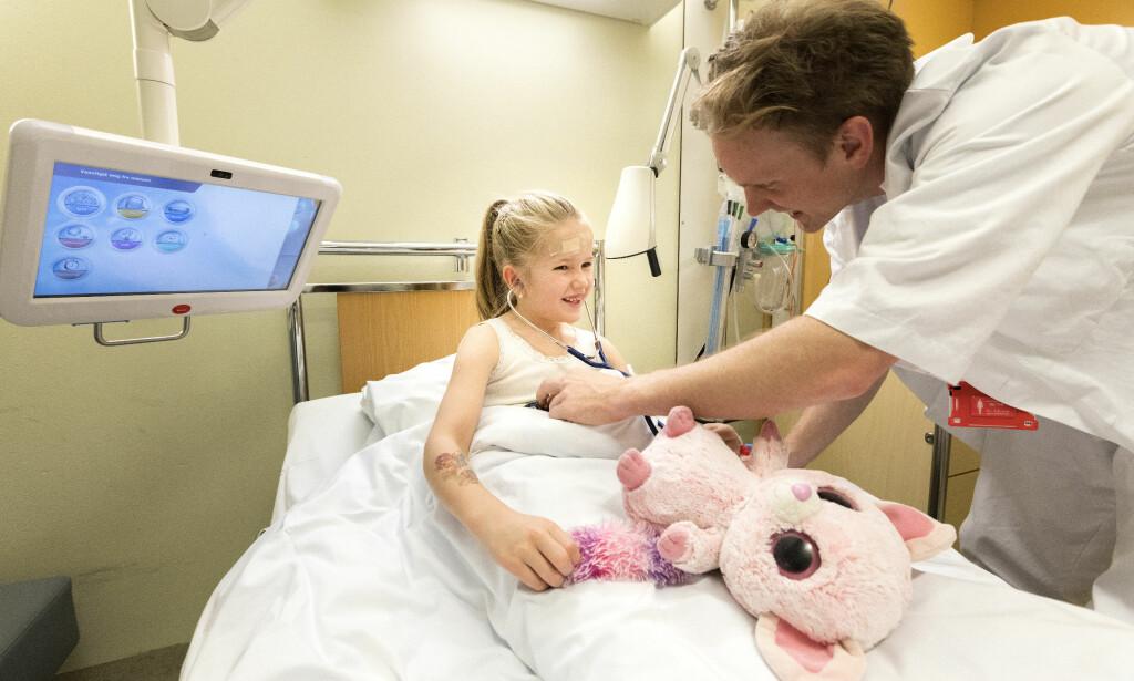 MEDISIN: Poengkravet for å komme inn på medisinstudiet er skyhøyt. Nå skal det bli enklere å komme inn. Foto: Gorm Kallestad / NTB scanpix
