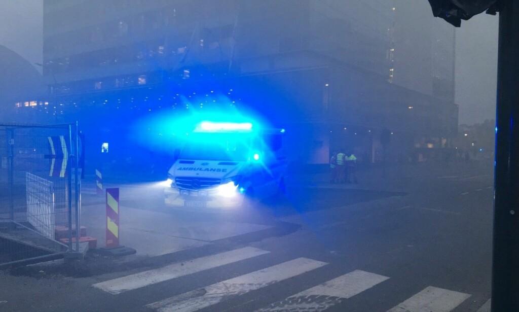 RØYK: Brannen forårsaket mye røyk i området. Foto: Katinka Sletten