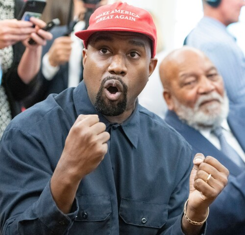 ENGASJERT: Kanye West sparte ikke på kruttet da han var innom Det hvite hus torsdag. Foto: NTB Scanpix