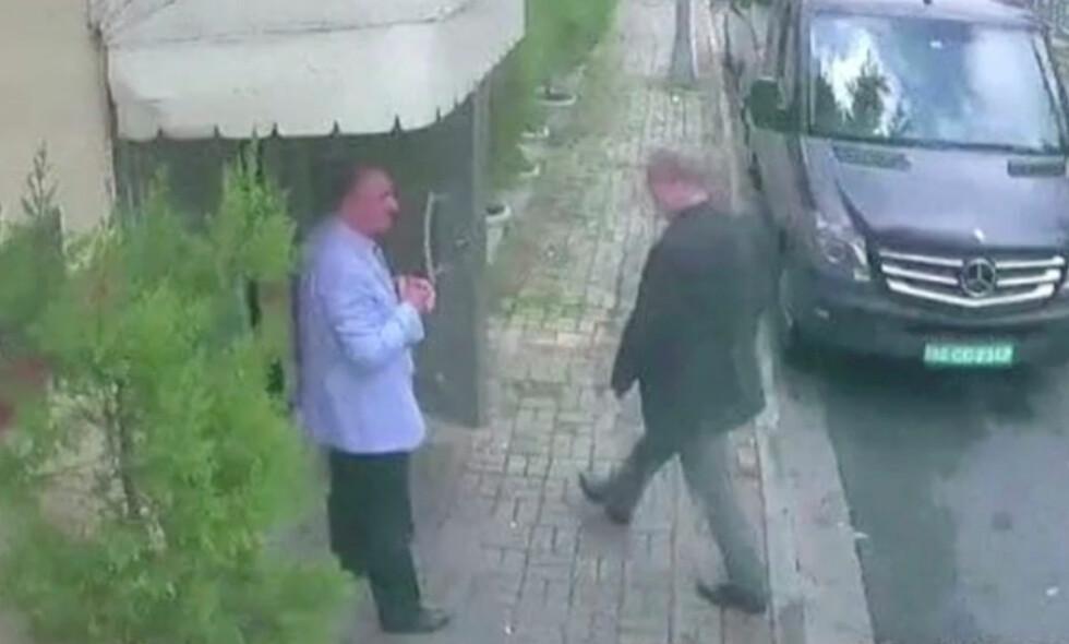 DØD: I natt bekreftet statlige medier at den regimekritiske journalisten Jamal Khashoggi døde i konsulatet i Istanbul. Årsaken skal ha vært et slagsmål. Foto: Reuters / NTB Scanpix