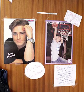 """Alle kontorene hos Fiken har egne tema. Her ved kontoret til et par av utviklerne, som har """"jenterom fra 90-tallet"""" som tema. Foto: Jørgen Jacobsen"""