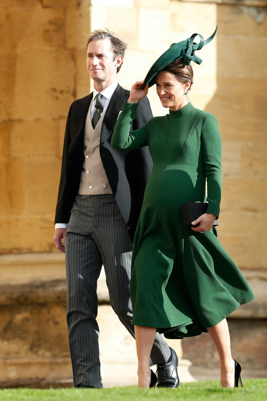 KONGELIG BRYLLUP: Hetruginne Kates gravide søster Pippa Middleton og ektemannen James Matthews. FOTO: NTB Scanpix