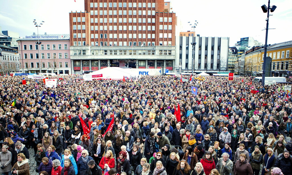 PROTESTER: Reservasjonsretten skapte store protester landet rundt, som her på Youngstorget 8. mars 2014. Nå er det fastlegers spiralnekt som skaper steile fronter. Foto: Christian Roth Christensen /Dagbladet