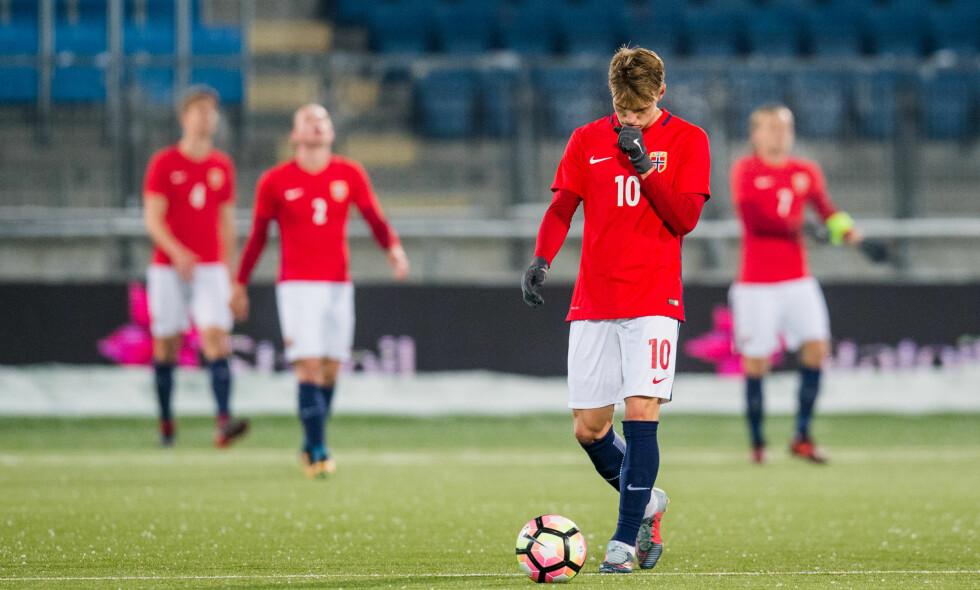 IKKE TIL EM: Martin Ødegaard og resten av U21-gutta gikk på en smell mot Tyskland. Her fra en kamp mot Irland. Foto: Jon Olav Nesvold / Bildbyrån