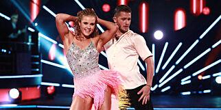 image: Danset sammen som kjærester for første gang