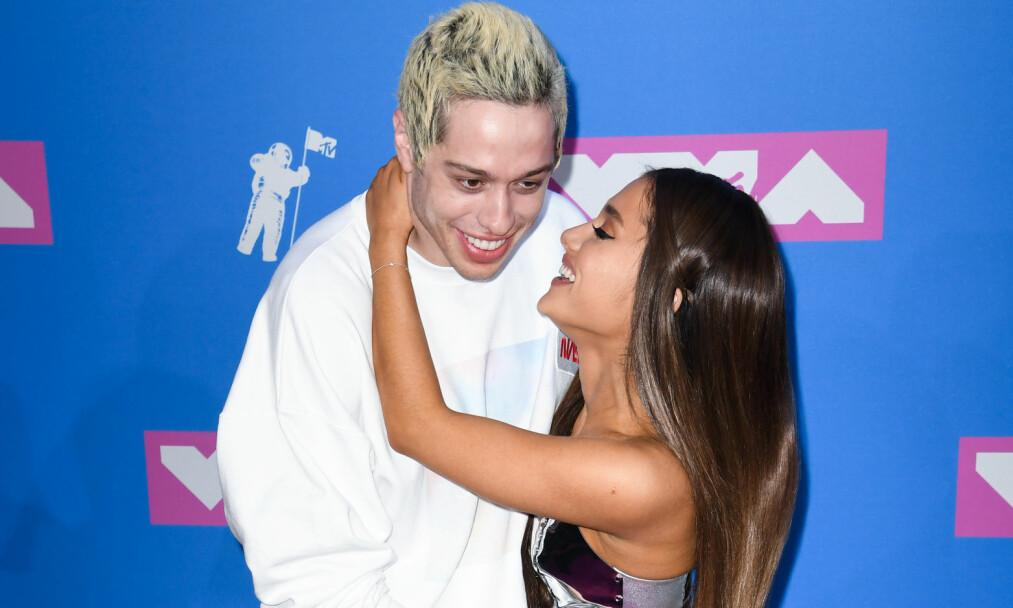 SLUTT: Ifølge en kilde tett på Ariana Grande er det slutt mellom henne og komikeren Pete Davidson. Foto: Doug Peters / EMPICS / NTB Scanpix
