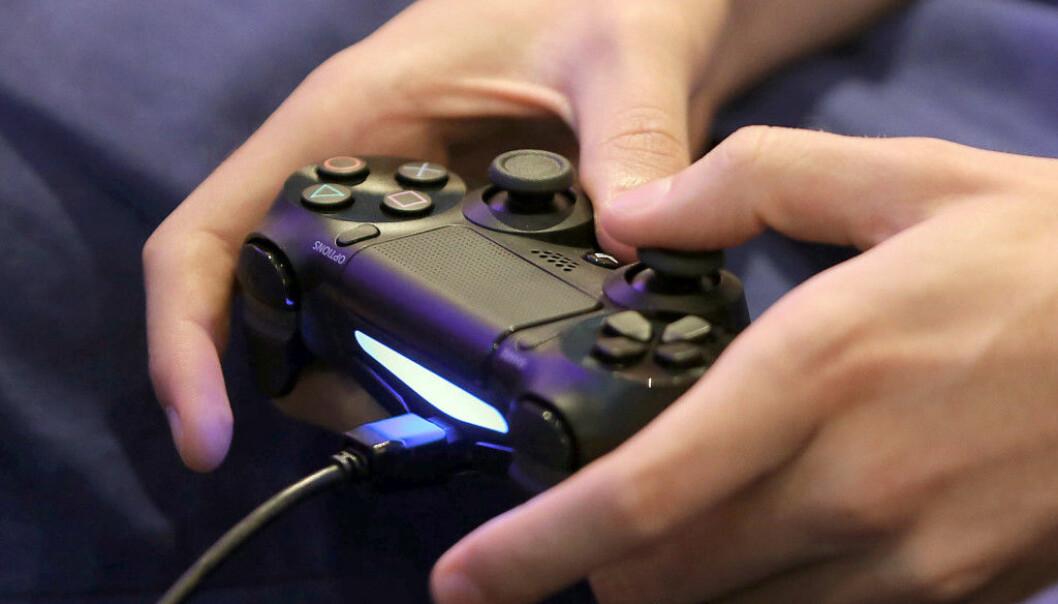 <strong>OOPS:</strong> En svakhet i programvaren på PlayStation 4 gjør at en melding er alt som skal til for å få systemet i kne. Foto: Oliver Berg / AFP / NTB Scanpix
