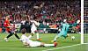 Fotballsjokk: England ydmyker Spania på hjemmebane