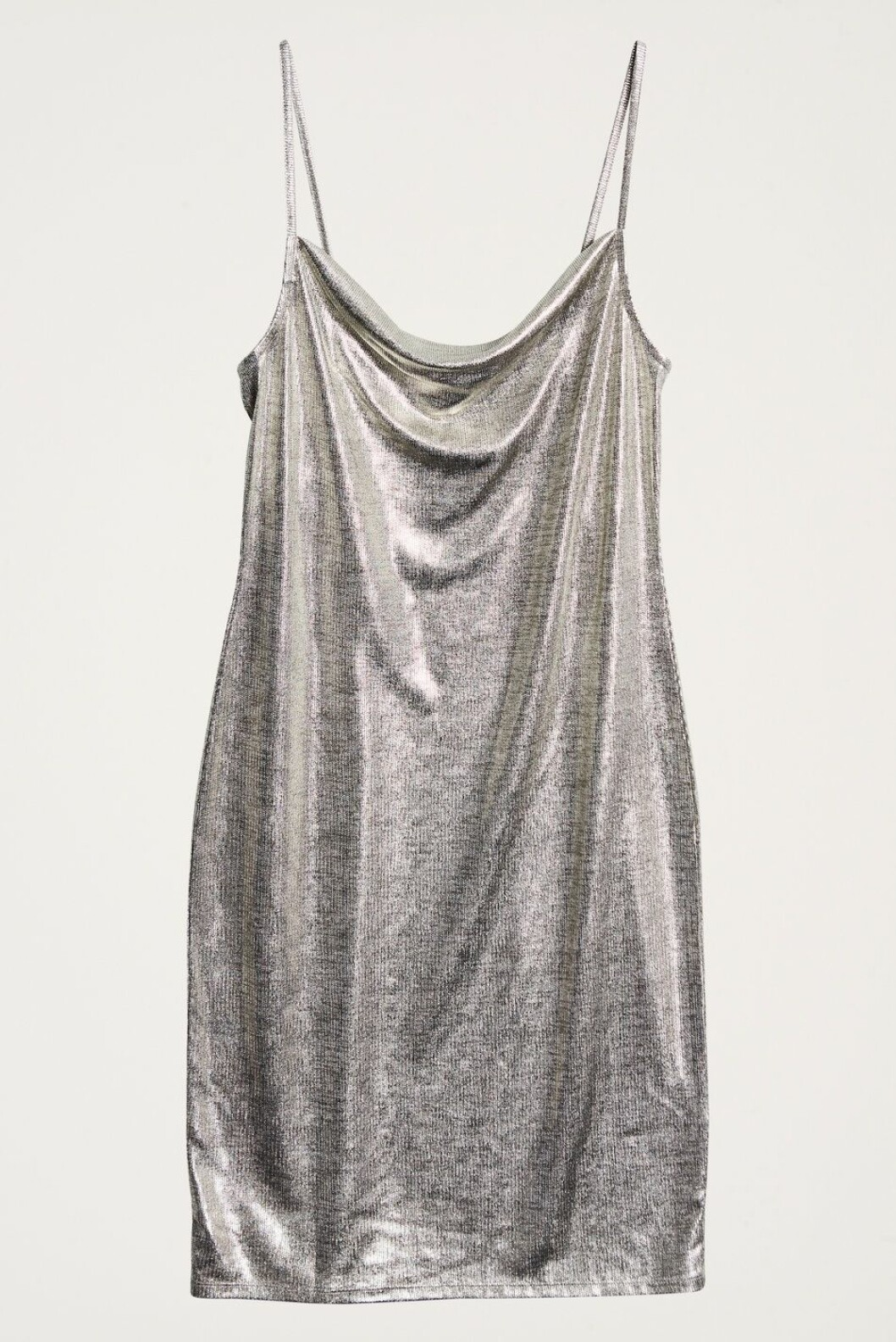 <strong>Kjole fra Gina Tricot |299,-| https:</strong>//www.ginatricot.com/cno/no/kolleksjon/overdeler/kjoler/festkjoler/my-metallic-dress/prod833368051.html