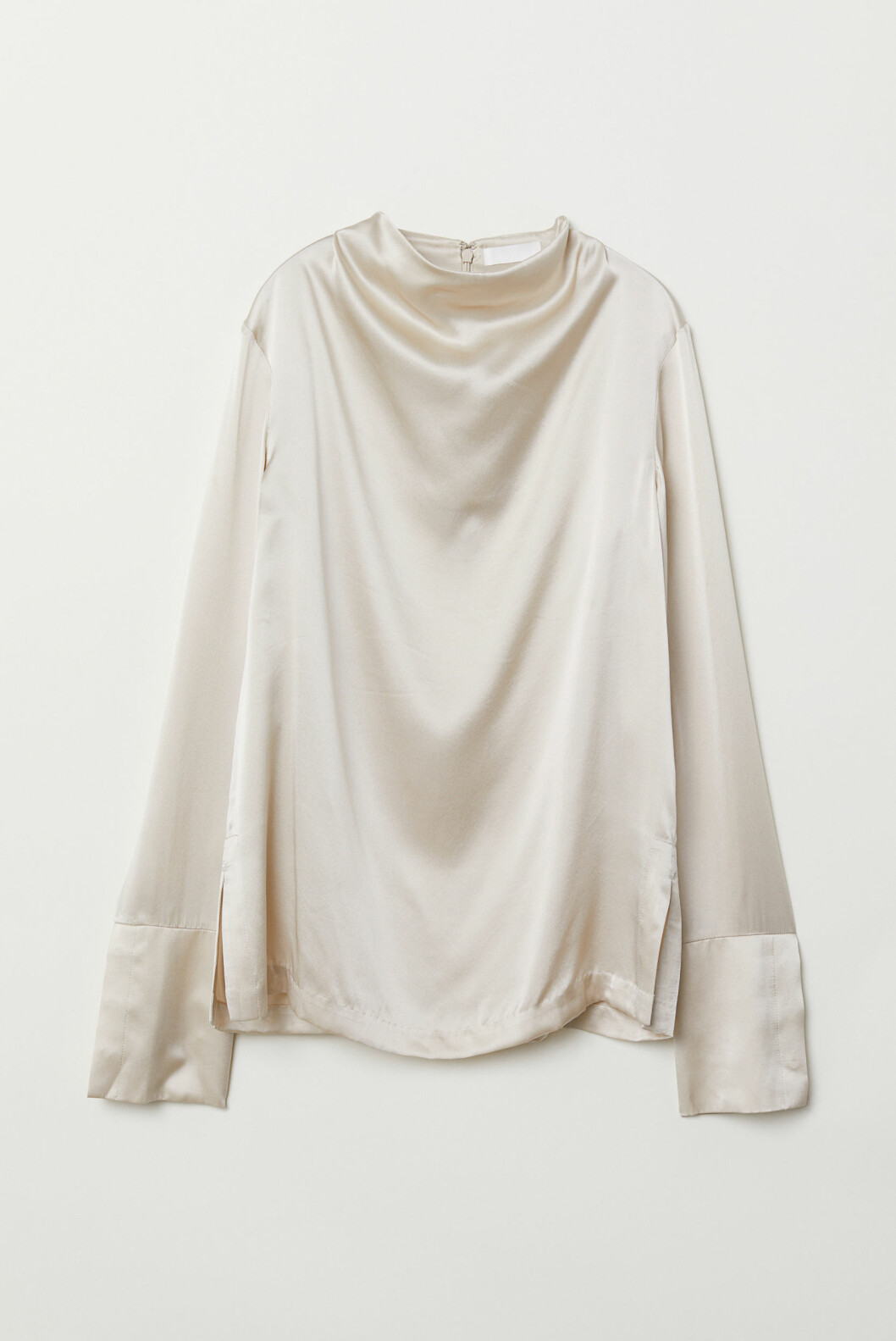 <strong>Silketopp fra H&M |1000,-| https:</strong>//www2.hm.com/no_no/productpage.0699266001.html