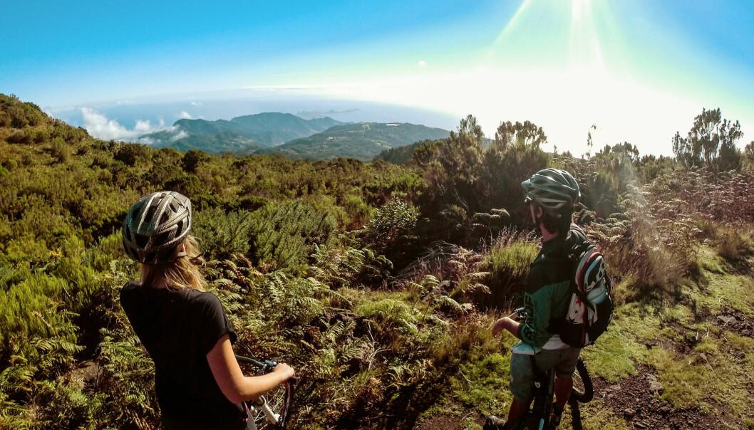 <strong>SYKKEL:</strong> – Jo mer man kan, jo mer utstyr vil man ønske seg, sier Jøril Mæland ved NHH. Fra treningstur på Madeira. Foto: Toni Poikeljärvi / VING