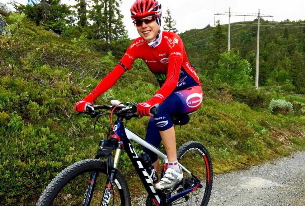 TERRENGSYKLIST: I en alder av 25 år fikk Ingrid Annita Rosvold påvist osteoporose som kort forklart er benskjørhet. Foto: Kristin Roset