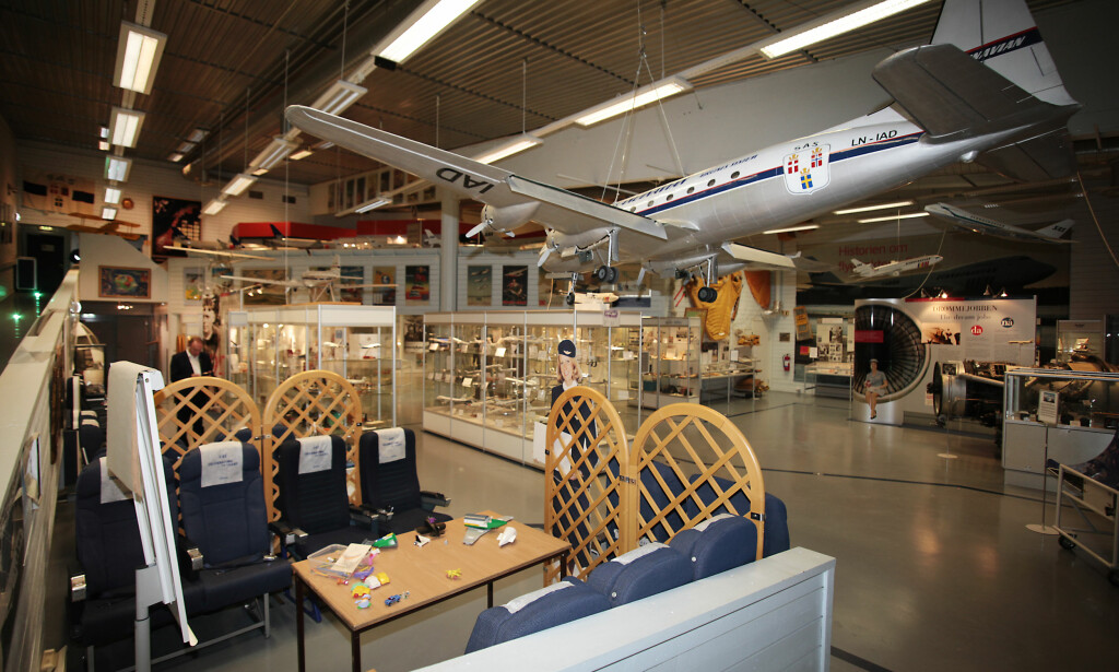 STOR SAMLING: På SAS-museet kan du foruten å prøve deg i en flysimulator også se alle SAS-modellene opp gjennom årene, i tillegg til å få et unikt innblikk i selskapets historie siden oppstarten i 1946. Foto: Tormod Brenna