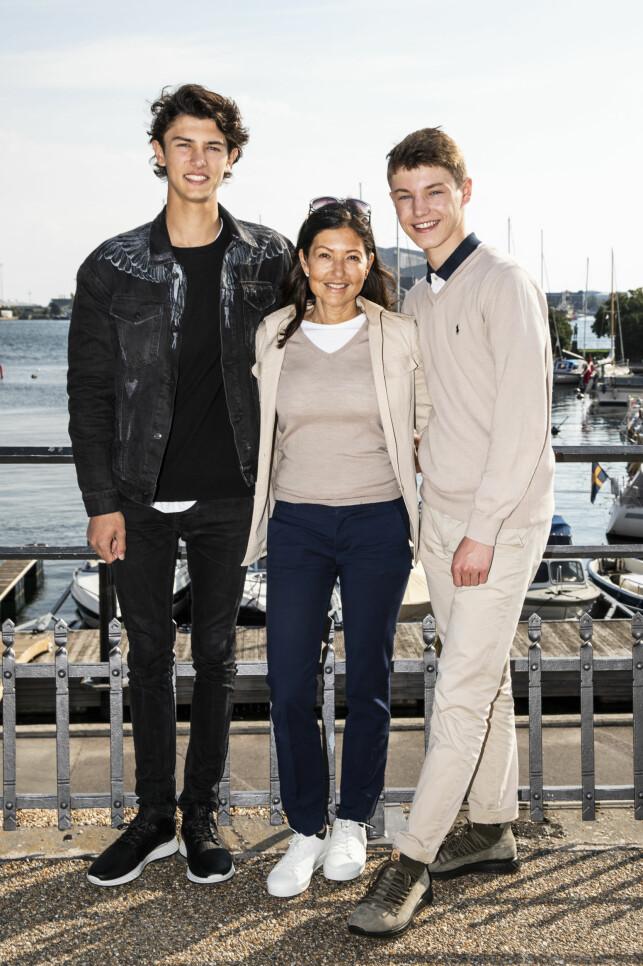 SAMMEN OM BARNA: Grevinne Alexandra og prins Joachim fikk to barn sammen, prins Nikolai (t.v.) og prins Felix. Foto: NTB Scanpix