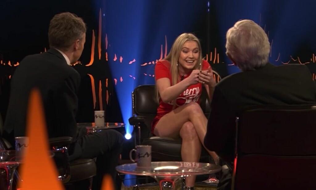 HAGLET INN MED KOMMENTARER: Etter at sangstjernen gjestet talkshowet «Skavlan» i mars i fjor, fikk hun kjenne på hvordan det var å få sårende kommentarer. Foto: NRK
