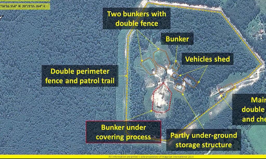 image: Her viser russerne militære muskler - rett ved Natos dørstokk