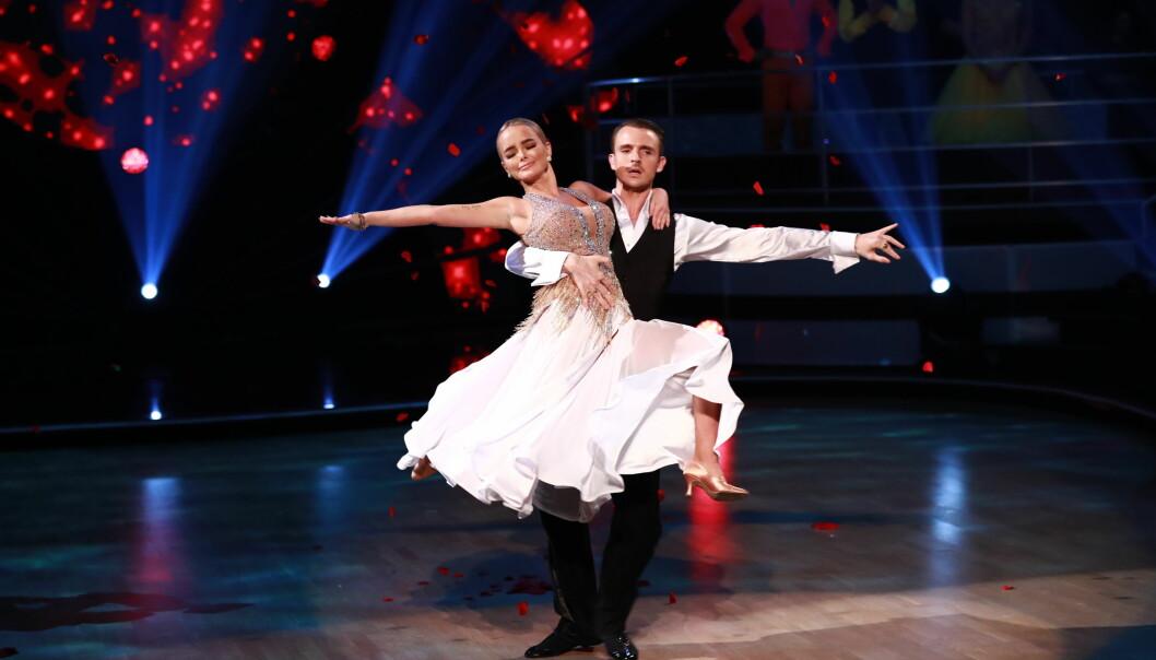 SISTE DANS: I kveld ble det kjent at Sophie Elise Isachsen har valgt å trekke seg fra «Skal vi danse». Nå forteller hun hvorfor. Foto: TV 2