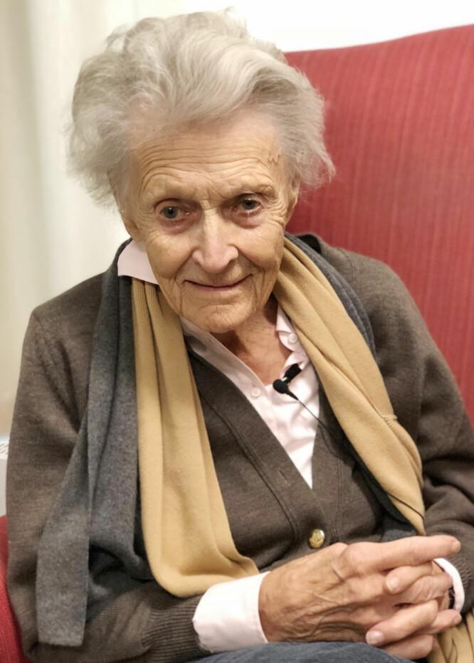 <strong>RAGNHILD (92):</strong> I sommer fikk Ragnhild besøk av en gammel flamme fra Sverige. Det viser at det aldri er for sent! FOTO: Malini Gaare Bjørnstad