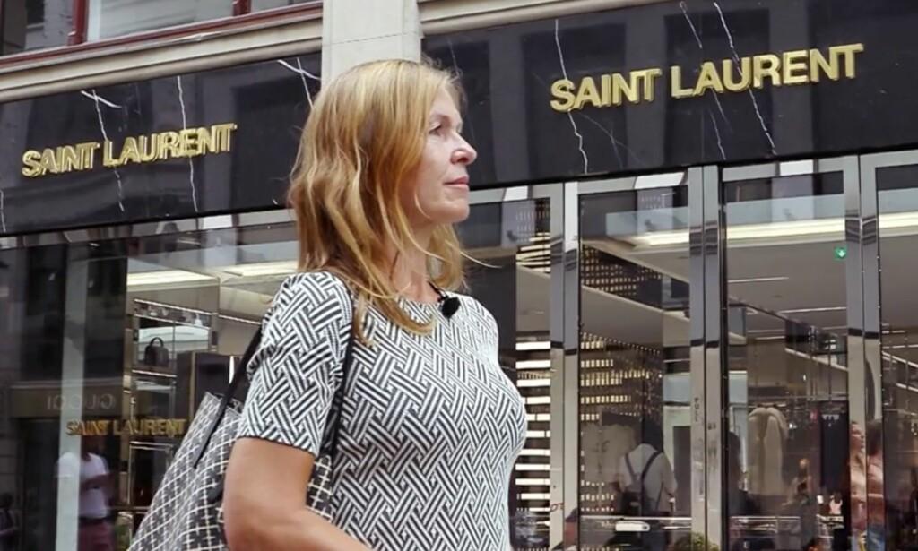 LUKSUSVARER: Anja Meyer forteller at hun har sløst mye penger på både designervesker, klær og sko. Foto: TV3