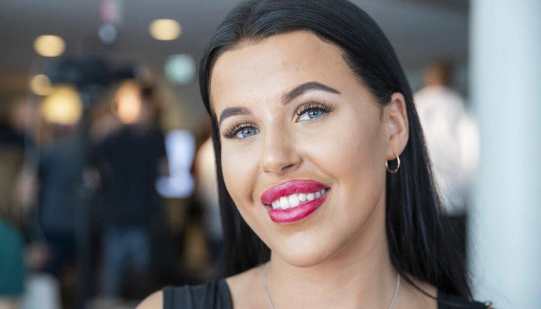 HAR FÅTT NOK: Melina Johnsen ber innstendig om at følgere og fans slutter å dukke opp på døra til venninna hennes. Foto: Håkon Mosvold Larsen / NTB Scanpix