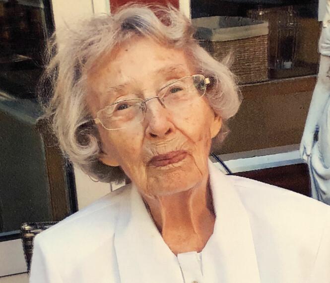 <strong>GERD KARI (97):</strong> Hun synes det er vanskelig å gi råd til de unge for hun mener at de skal erfare ting i livet selv. FOTO: Privat