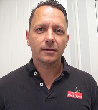 <strong>KRYSTALLKLART REGELVERK:</strong> Grenseveterinær Joachim Rummelhof Johnsen.