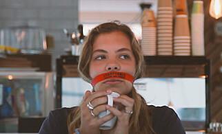 Snusbåndet kan brukes på café...