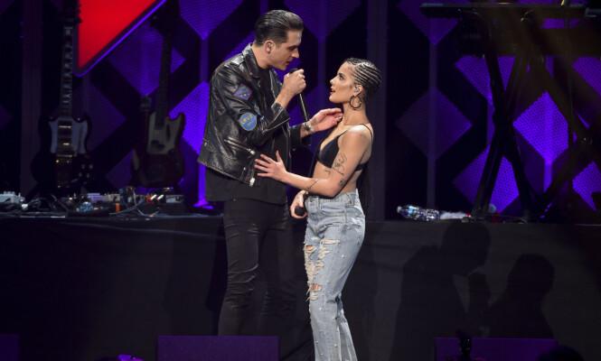 <strong>SAMMEN PÅ SCENEN:</strong> Halsey og G-eazy har lagde låta «Him &amp; I» sammen i 2017. Foto: NTB Scanpix