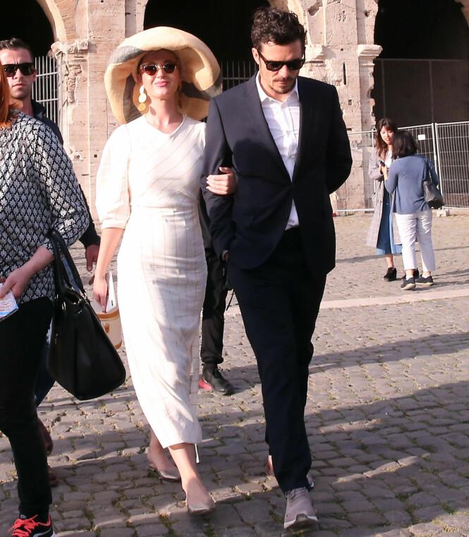 ARM I ARM: I vår besøkte Katy Perry og Orlando Bloom Colosseum i Roma. Foto: NTB Scanpix