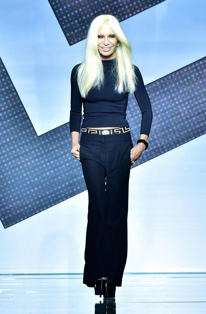 DONATELLA VERSACE: Den italienske designeren sier hun er ferdig med pels. Foto: Scanpix