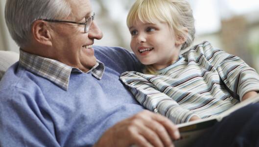 BESTEFORELDRE: Besteforeldrene er mer tilstedeværende i barnebarnas liv nå. Foto: Shutterstock