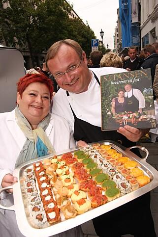 KOKEBOKLANSERING: Bent Stiansen og hans avdøde kone Annette, under lanseringen av det som i 2008 ble kåret til årets beste kokebok, Stiansen inviterer til fest. Foto: Se & Hør