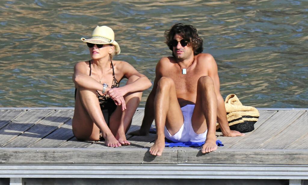 SAMMEN IGJEN?: Sharon Stone ferierte i Puerto Portals med sin langt yngre flamme, Angelo Boffra, litt tidligere i høst. Foto: Stella Pictures