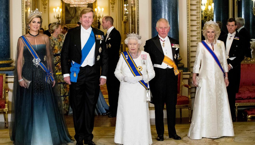 <strong>REAGERER:</strong> Dette bildet - og den tilhørende bildeteksten - får enorm oppmerksomhet i sosiale medier, etter en glipp fra det britiske hoffet. Foto: NTB Scanpix