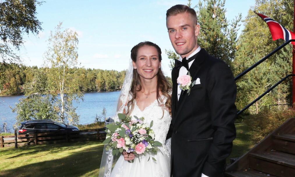 SØNNENS VIKTIGSTE STØTTESPILLER: Gjert Ingebrigtsen vet hvor mye Astrid betyr for sønnen Filip. Her er de to på bryllupsdagen i midten av september. Foto: Andreas Fadum