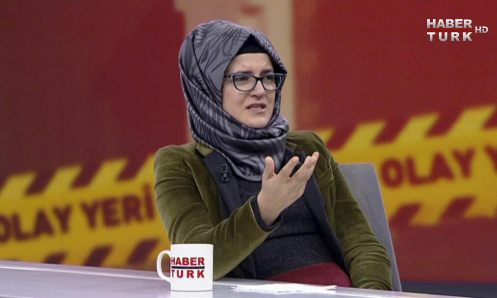 VIL HA SVAR: Hatice Cengiz var forlovet med den drepte skribenten og Saudi-Arabia-kritikeren Jamal Khashoggi. I går ble hun intervjuet på tyrkisk tv. Her forteller hun at hun ikke vil møte USAs president Donald Trump, og at hun var livredd for forloveden sin, da han skulle inn på det saudi-arabiske konsulatet i Istanbul. Foto: HaberTurk TV / Ap / Scanpix
