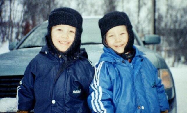 SMÅROLLINGER: Nikolai og Markus Aspen var 5 år gamle da dette bildet ble tatt. Året etterpå skulle livene deres bli snudd på hodet. Foto: Privat