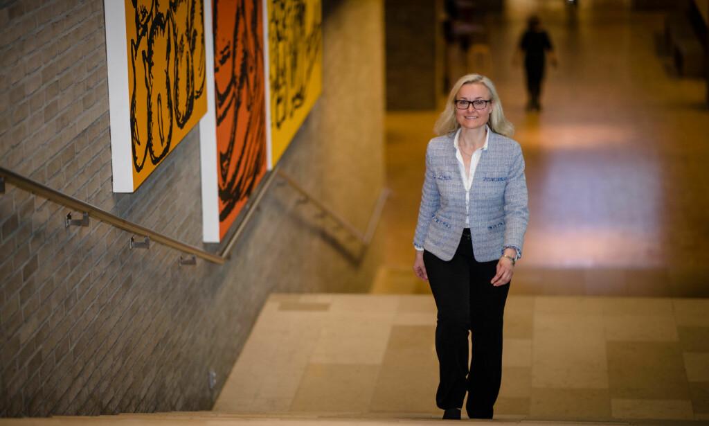 REAGERER: Jannicke Scheele, sjef for ansvarlige investeringer i DNB, sier avsløringene om Selecta kan være i strid med DNBs standard for ansvarlige investeringer. Foto: Stig B. Fiksdal / DNB