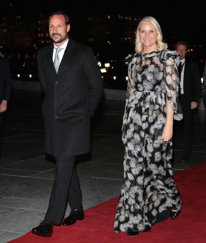GLEDET SEG: Både Haakon og Mette-Marit var to store smil. Foto: Andreas Fadum/Se og Hør