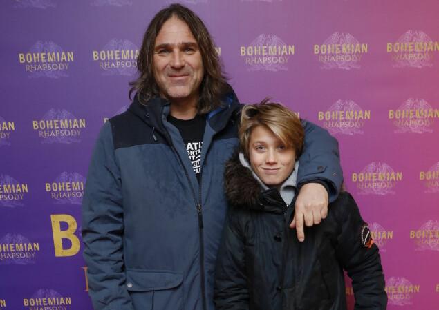 GLEDER SEG: Christer Falck tok også med seg sønnen på premiere. Foto: Espen Solli / Se og Hør